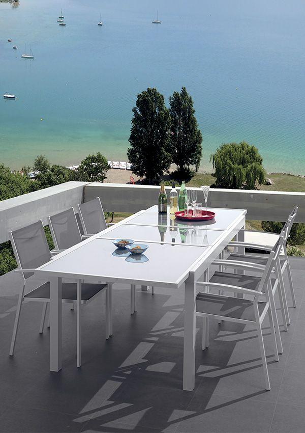 Decouvrez Nos Tables Et Chaises De Jardin En Bois Massif Table