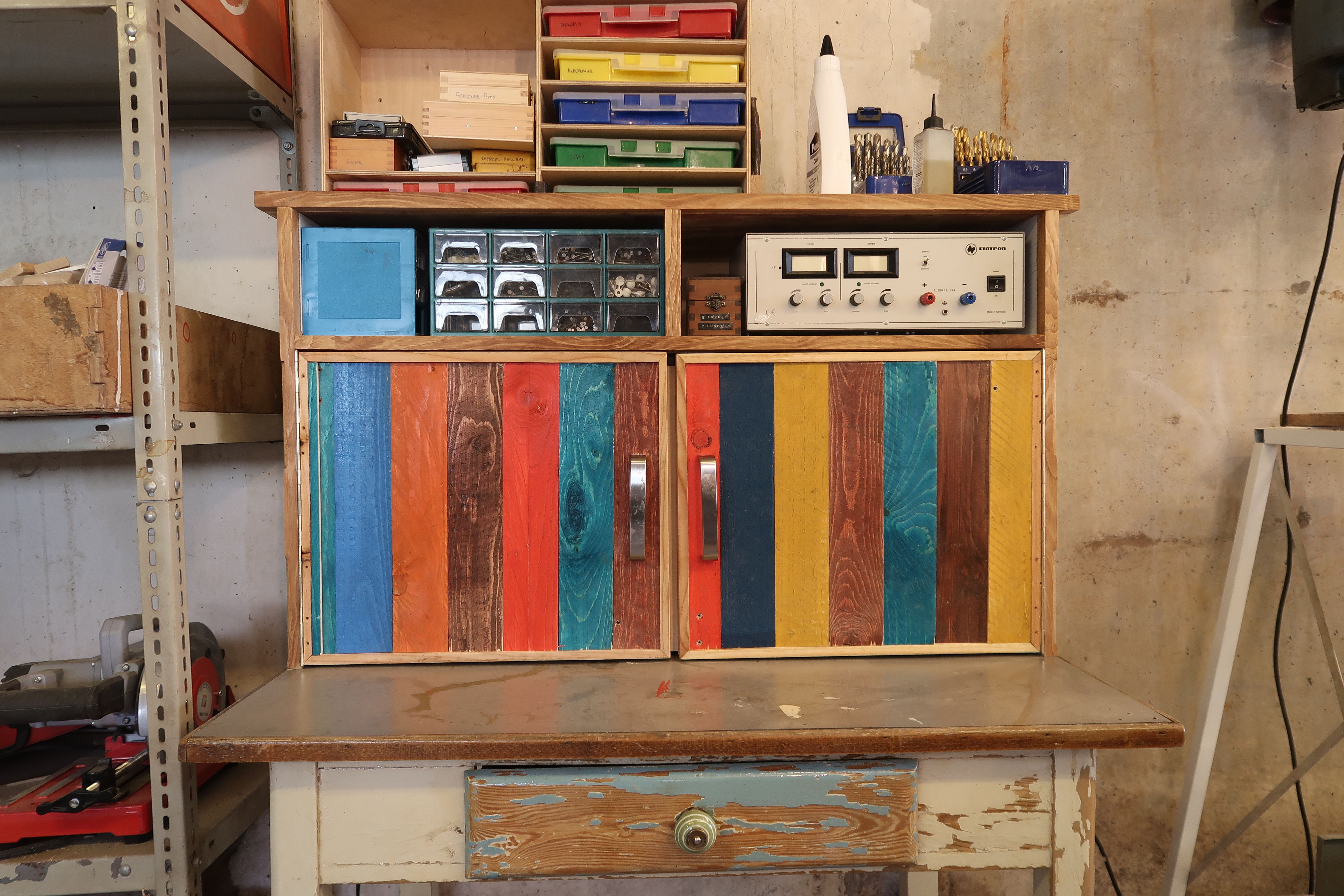 Built myself a little electronics workbench just enough to