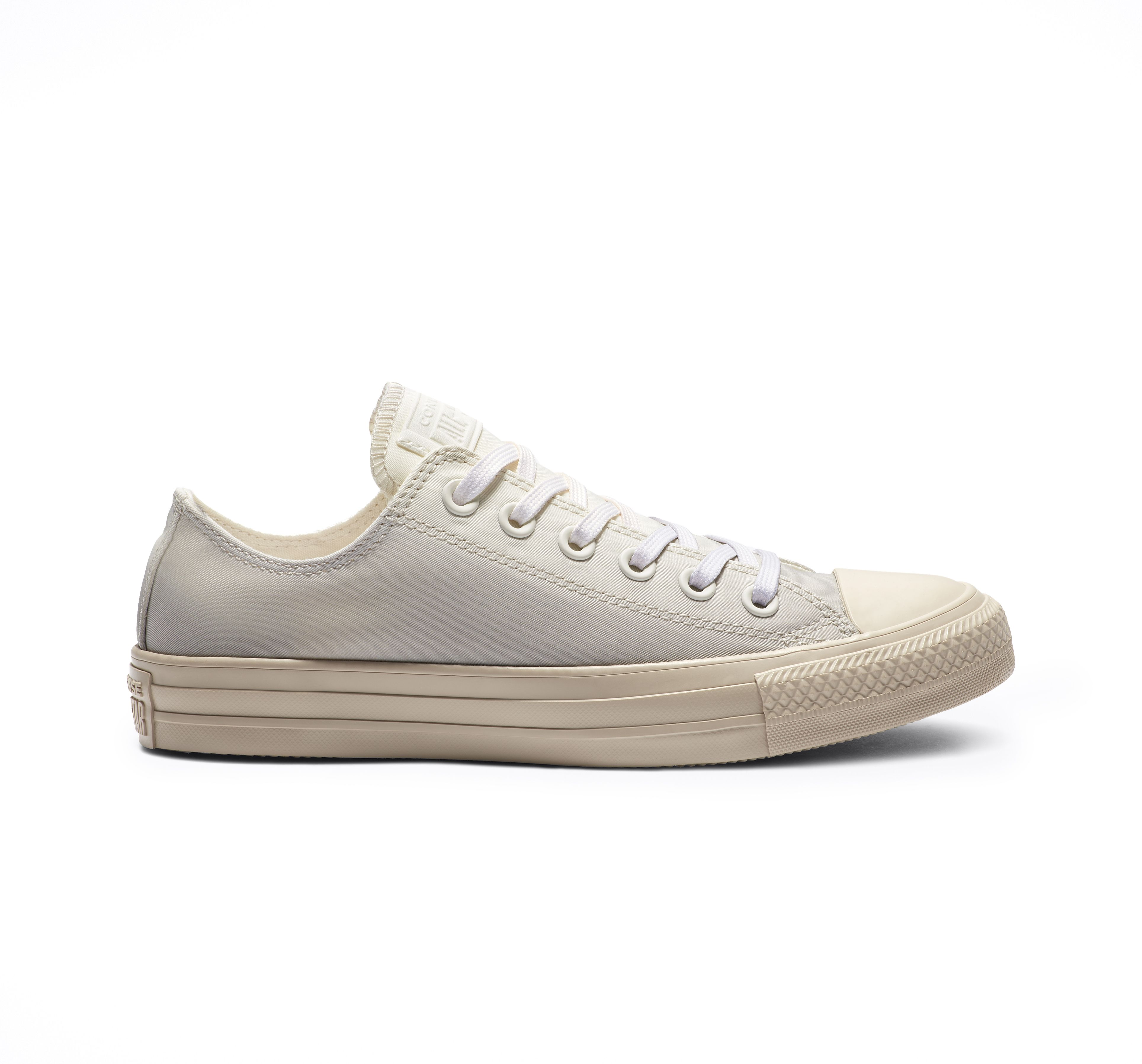 f8af471a8fbb0 Chuck Taylor All Star Dip Dye Low Top in 2019 | Products | Chuck ...
