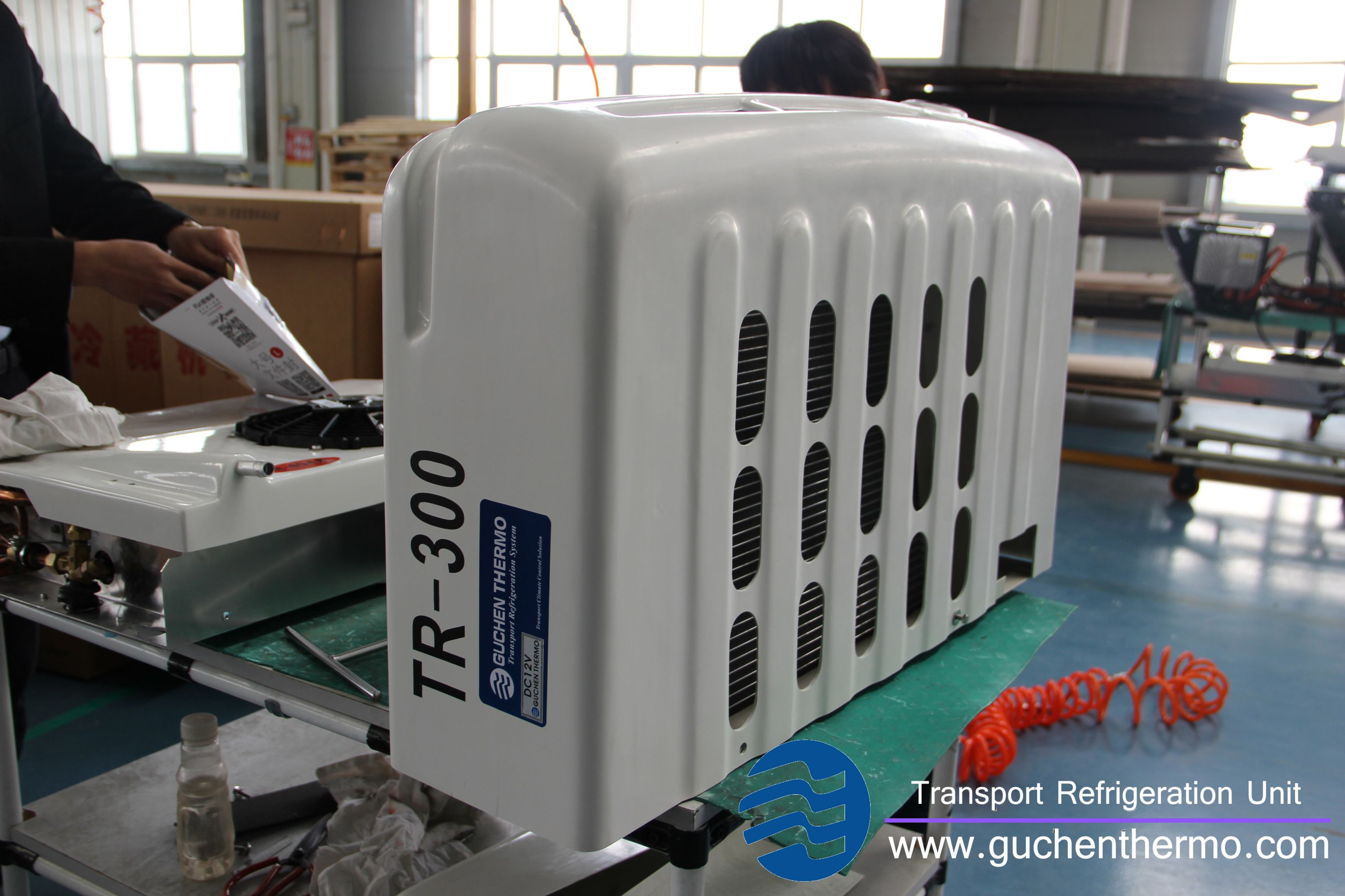 Guchen Thermo TR-300 transport refrigeration system is front