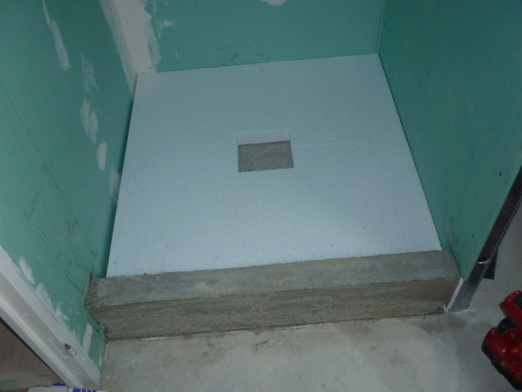 Tuto douche italienne sur plancher bois id es sdb for Carreler sur carrelage existant