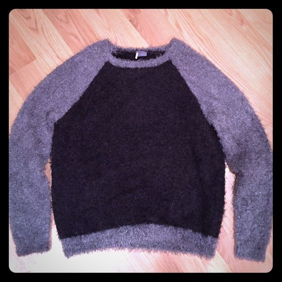 Cozy sweater Super cute cozy sweater. Black and grey. From Urban Outfitters. Barely worn. Sparkle & Fade Sweaters Crew & Scoop Necks