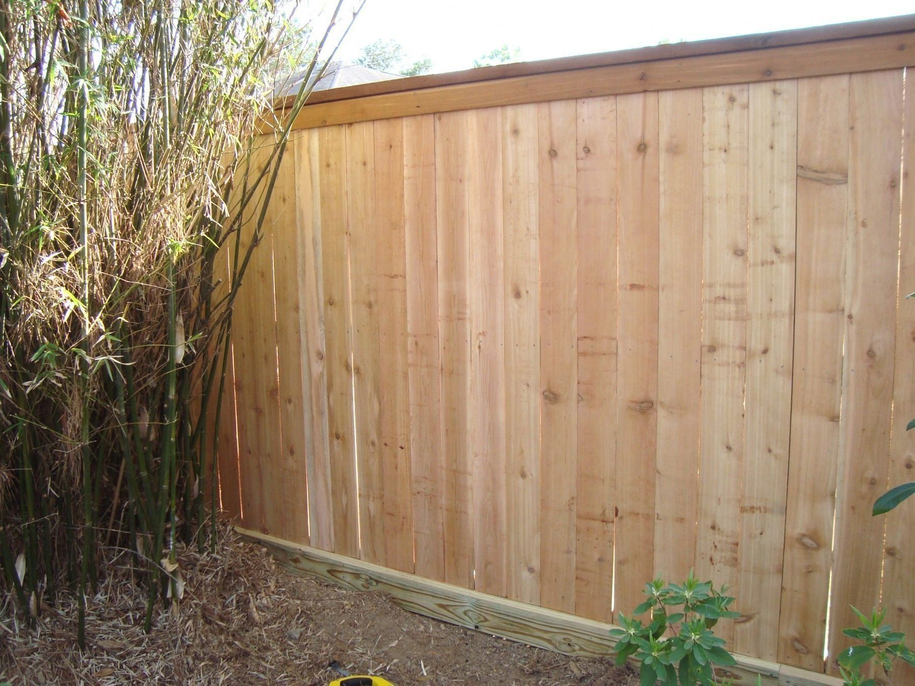6 Ft Cap Top Fence With 2x6 Rot Board 2x6 Cedar Cap With 1x4 Cedar Trim Moder 1000 In 2020 Cedar Wood Fence Cedar Fence Wood Fence