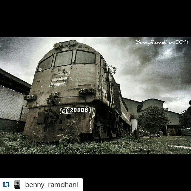 Sepur Solo On Instagram Repost Benny Ramdhani Locomotive Type Alco Ge Um 106t Cc 200 Is The First Diesel Locomotive In Indonesia Manufactured By Genera