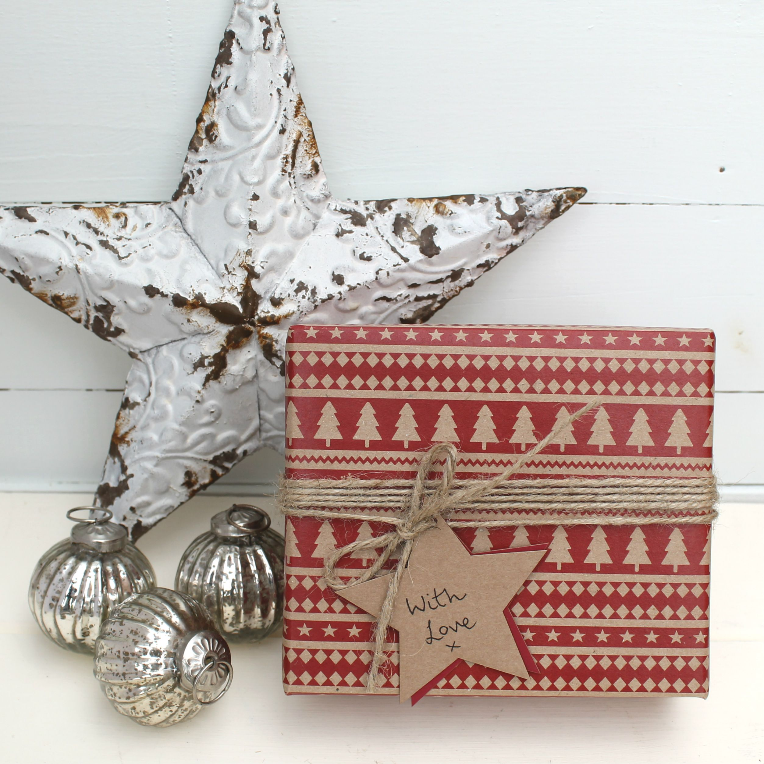 Christmas Kraft and Red Wrapping | Card & gift ideas | Pinterest ...