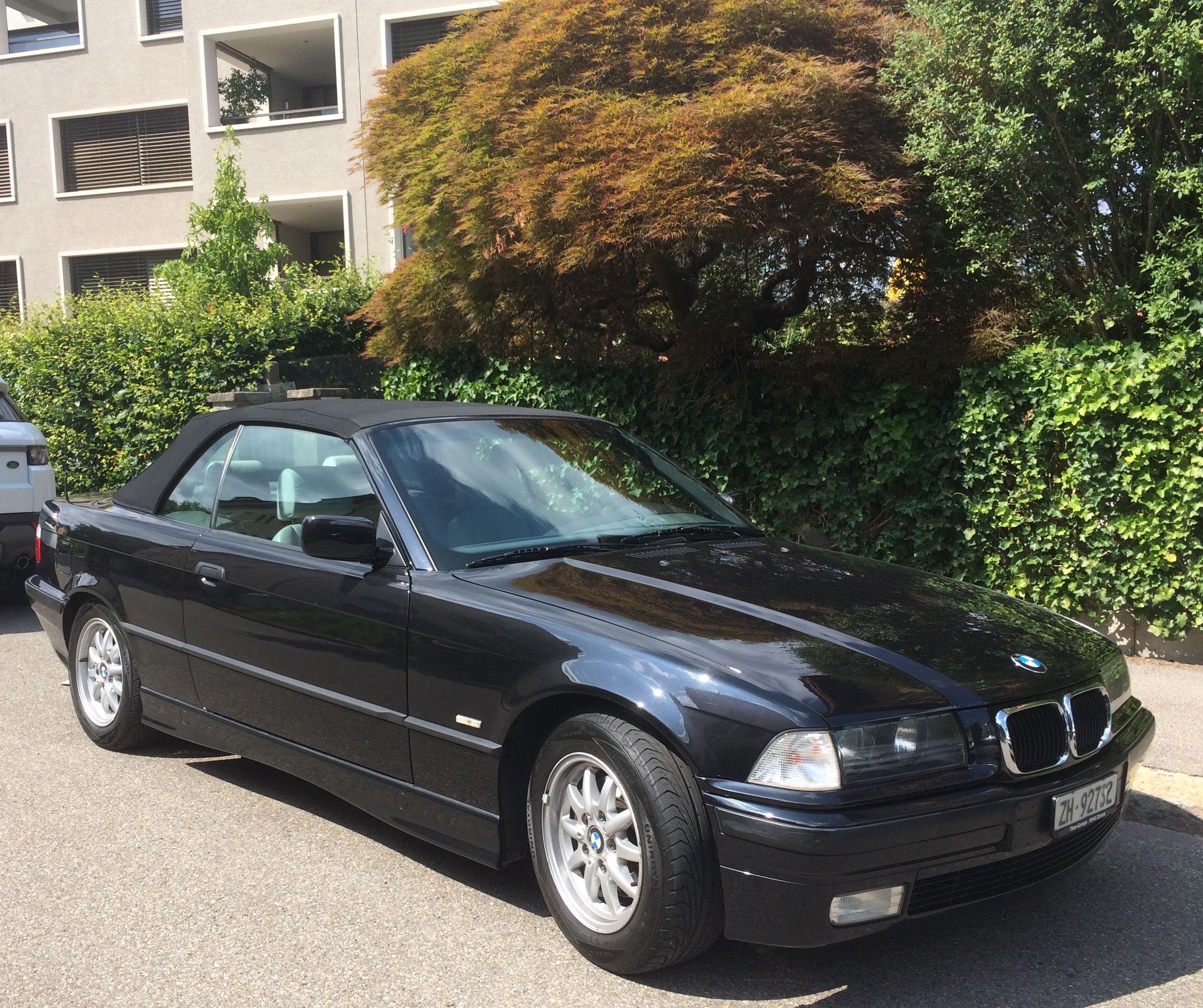 Side shot of  Swiss e36 in black...