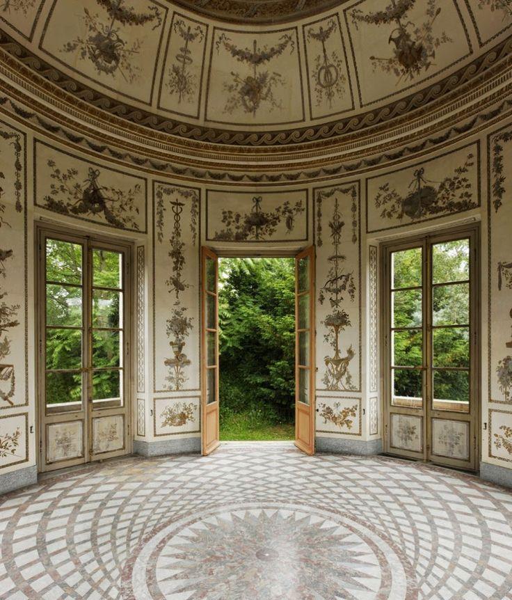 Le belv d re du petit trianon ou pavillon du rocher est for Jardin anglais du petit trianon