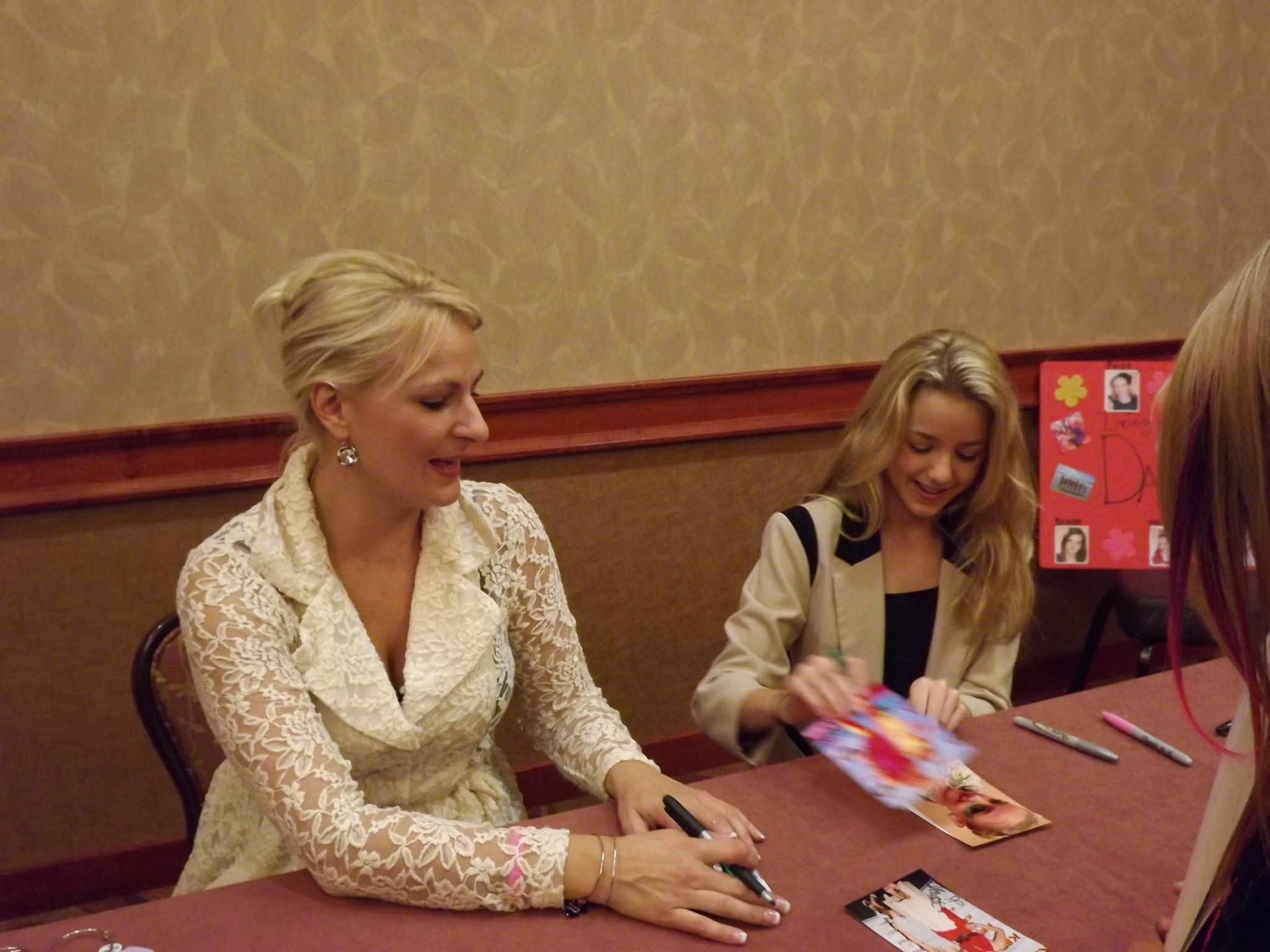 christi and chloe meet greet cta