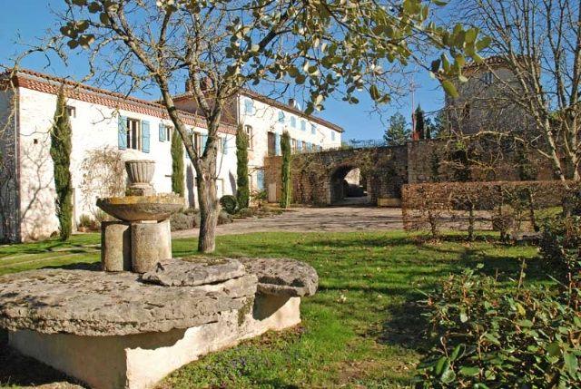 An impressive and historic 18th century former presbytery Tarn-et-Garonne