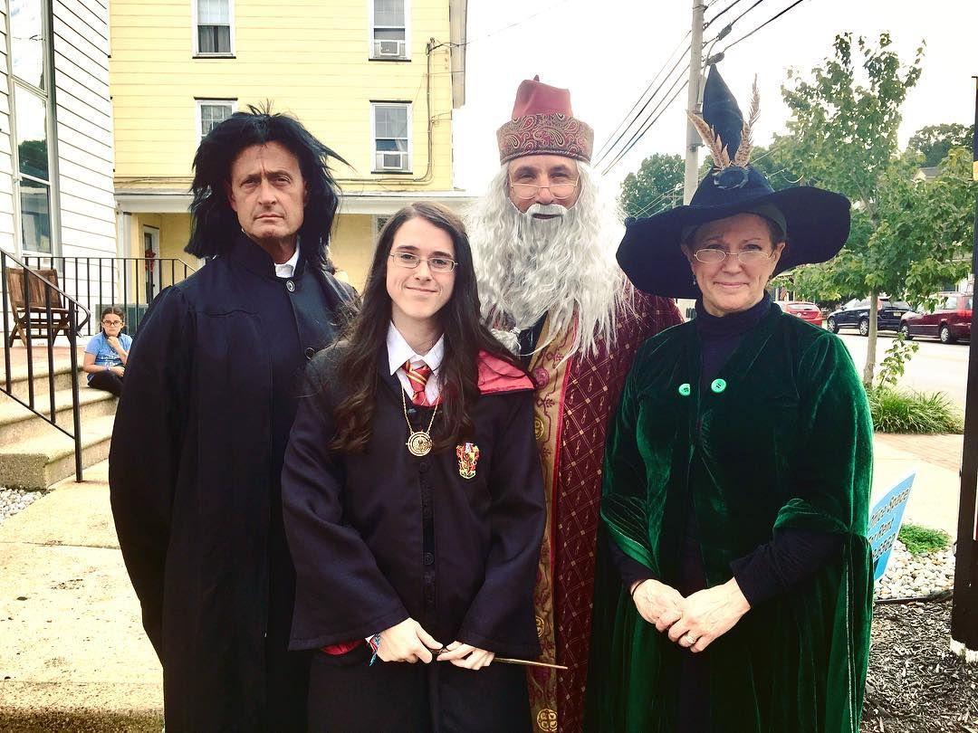 Hermine Granger Kostum Selber Machen Diy Ideen Maskerix De Harry Potter Hermine Granger Harry Potter Kostum Selber Machen Hermine Granger Kostum