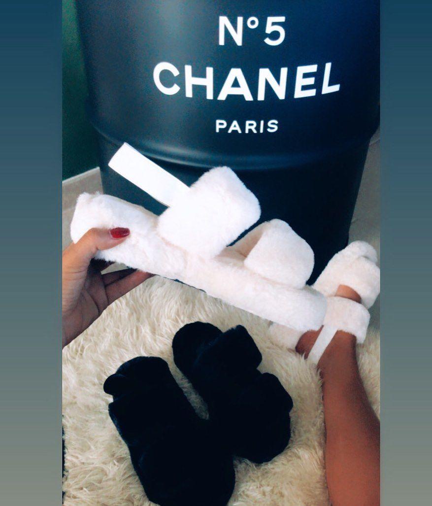 Ils sont arrivés ☁️ Les chaussons confinement 19€ du 36 au 41 #shoes #chaussons #fourrure #ootd #ootdfashion #ootdstyle #shopping #shop #shoplocal #shoppingonline