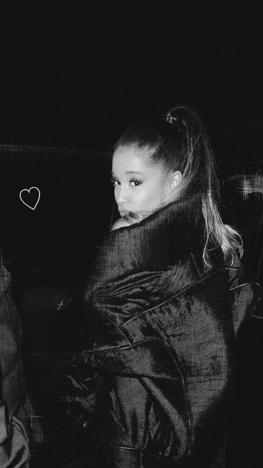 Ariana Grande Lockscreen Ariana Grande Photoshoot Ariana Grande