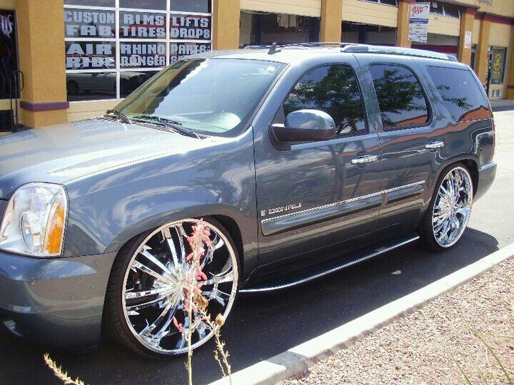 Denali Sittn On 28 S Suv Trucks Chevy Tahoe Gmc Yukon