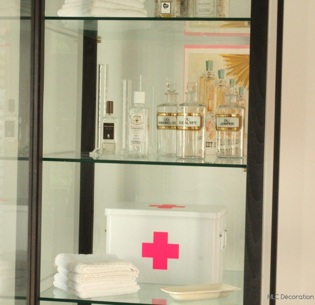 meuble vitrine salle de bain et armoire