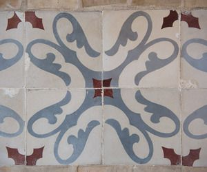 Decorative Spanish Tiles The Spanish Yard Specializes In Reclaimed Decorative Encaustic