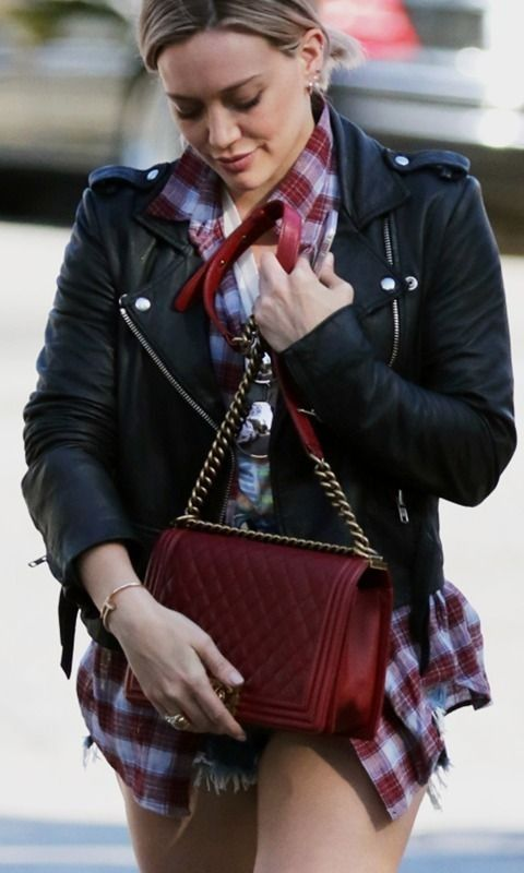 b047f7e700c7d6 Hilarry Duff Chanel Boy Bag | Oversized Totes & Short Shorts are This  Week's Celeb Musts | PurseBlog