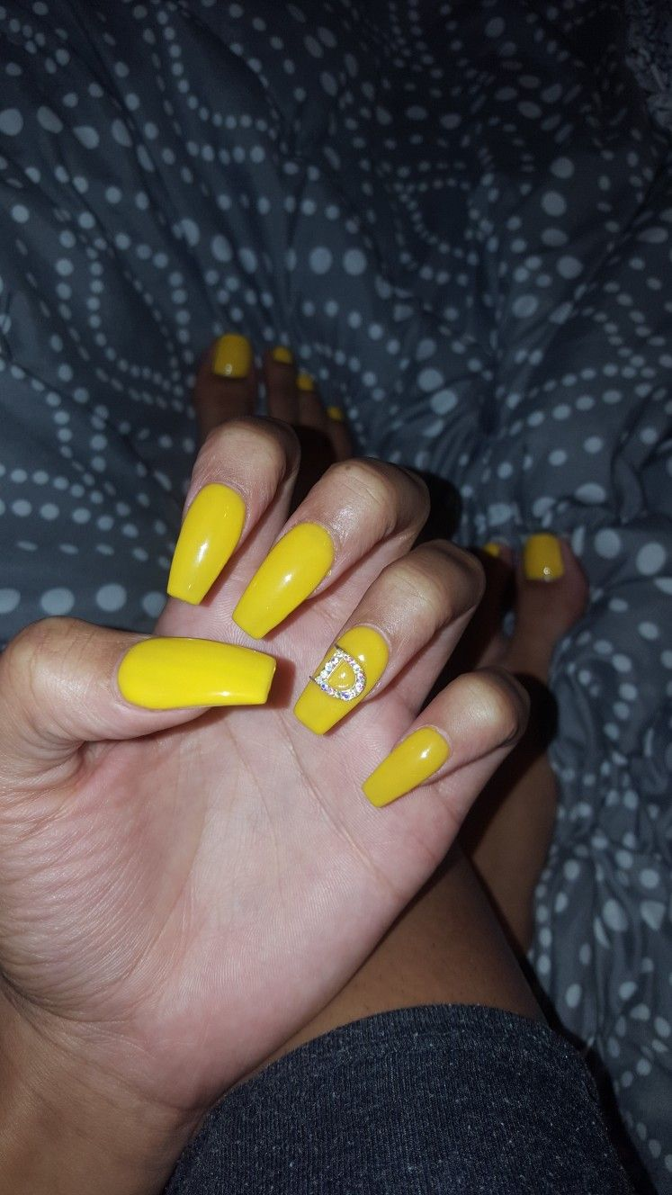 My personal nails :) Boyfriend\'s initial | yellow | nails ...