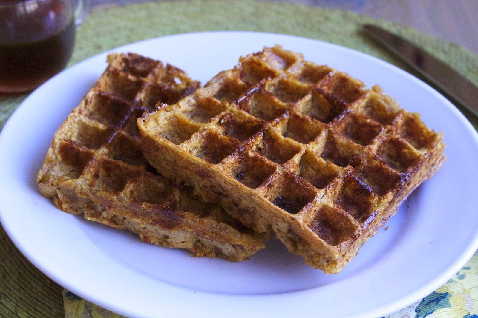 AIP Friendly Cinnamon Apple Plantain Waffles via http://beyondthebite4life.blogspot.com/2015/01/paleo-apple-cinnamon-waffles-aip.html #paleo #primal #aip