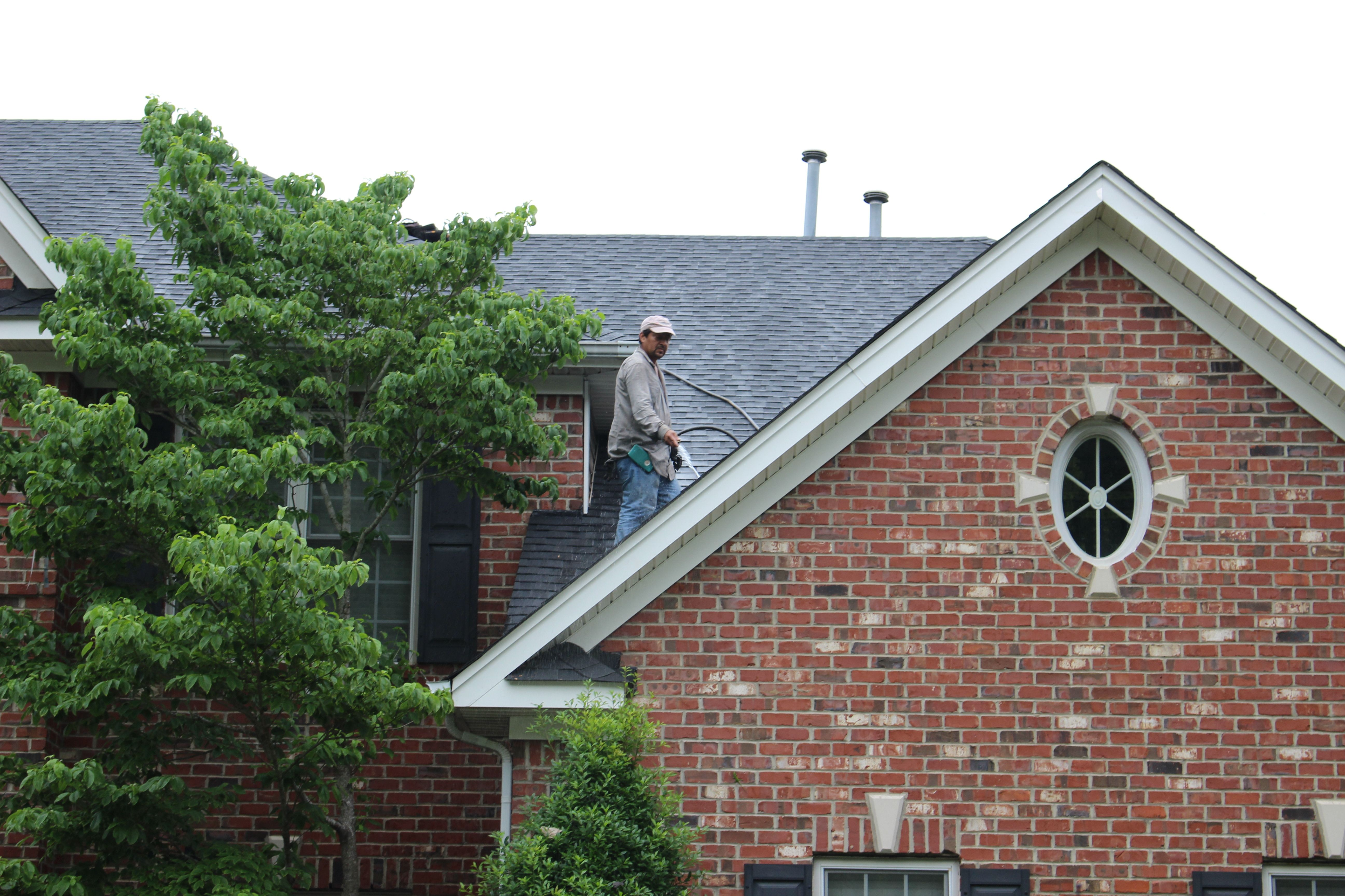 After Photo Showing Our Process Of Final Roof Inspection A Crs Foreman Washes Down The Roof Not Just To Clean But To Tho Architectural Shingles Residential Roofing House Styles