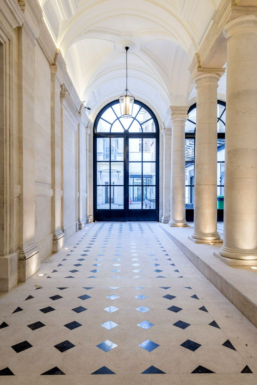 Hall d 39 entr e lpa architectes hall entrance stone pierre architecture haussmanien - Tapis hall d immeuble ...