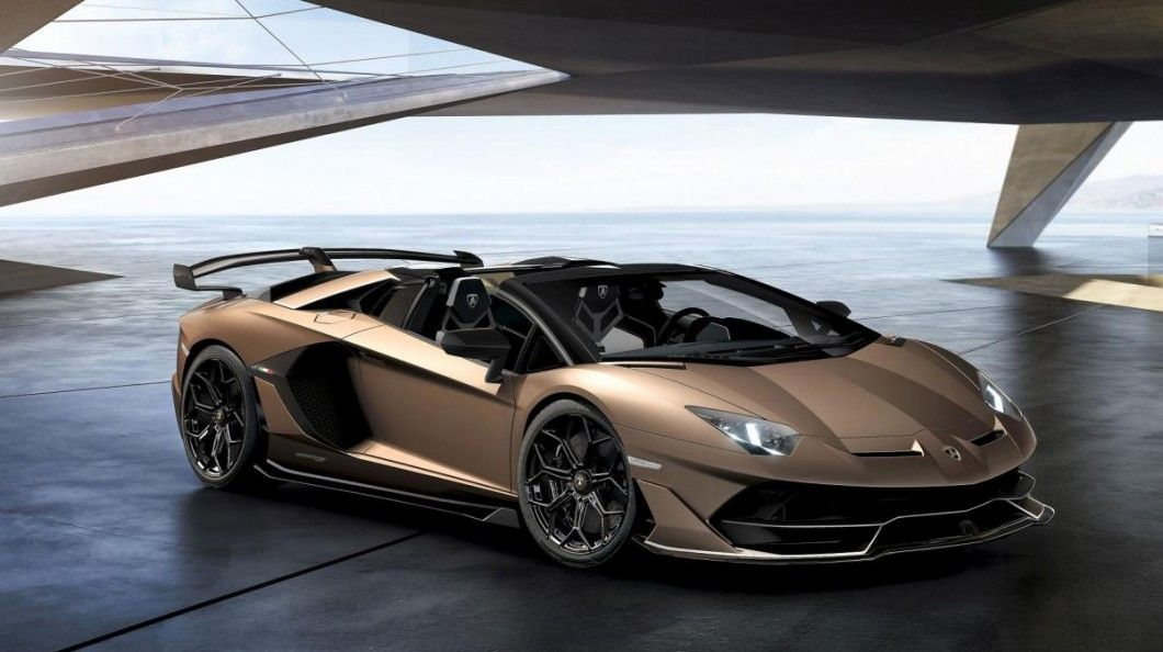 Powerful And Elegant Discover The Best Supercars Of The Year 2019 Lamborghini Aventador Luxury Cars Cars
