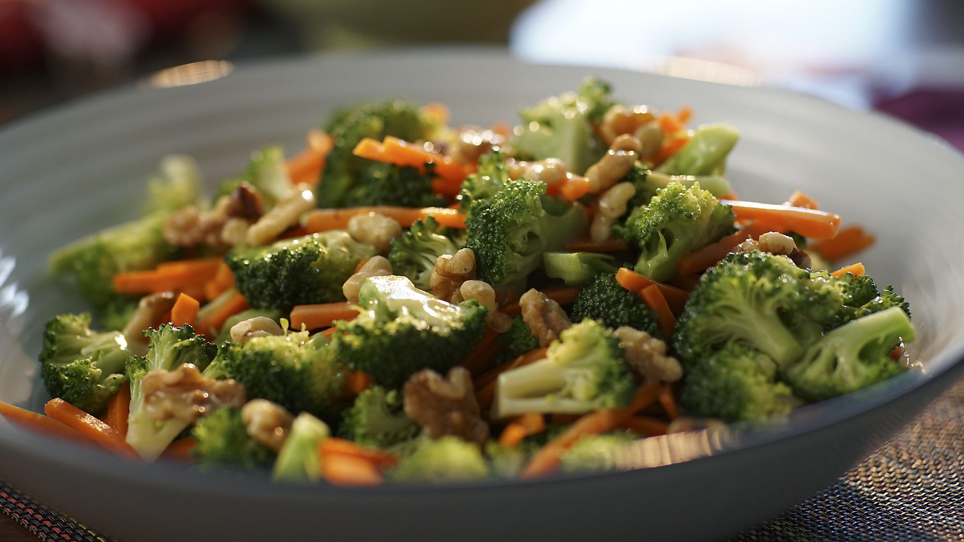 Valerie Bertinelli And Her Husband Tom Are Hosting Friends From Ohio And Valerie Plans An Effortless Meal T Food Network Recipes Broccoli Side Dish Broccoli
