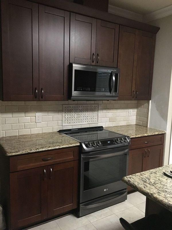 Backsplash And 4 Granite Removal Granite Backsplash Backsplash Kitchen Backsplash