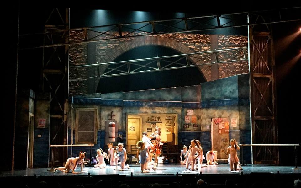 Billie Elliot The Musical Scenic Design Scene Design Scenic