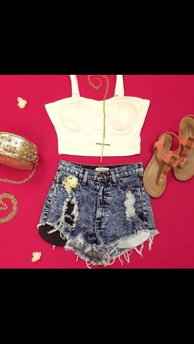 This is my idea of a summery outfit❤