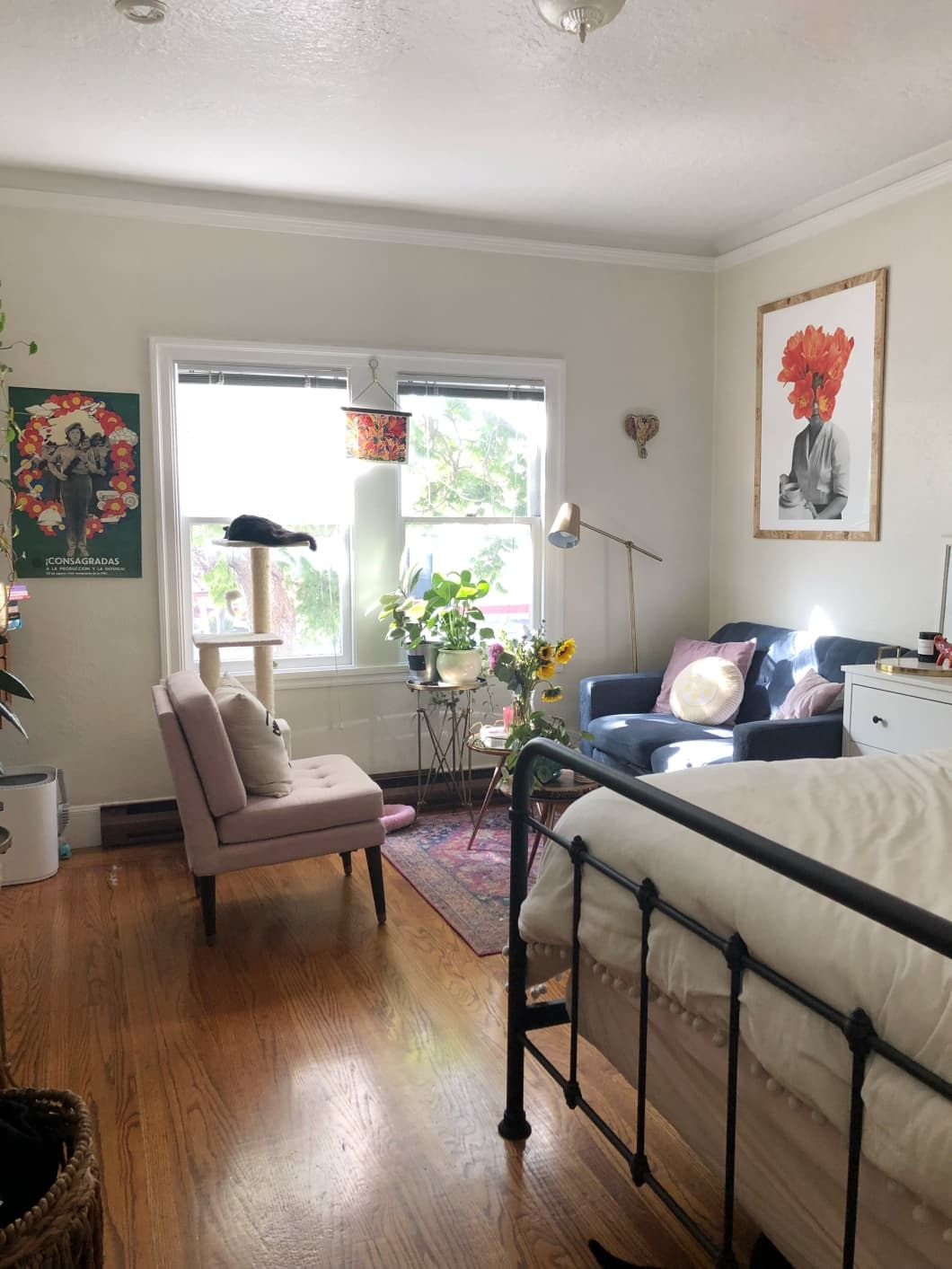 A 370-Square-Foot Studio Is Uncluttered Yet Cozy | Small ...