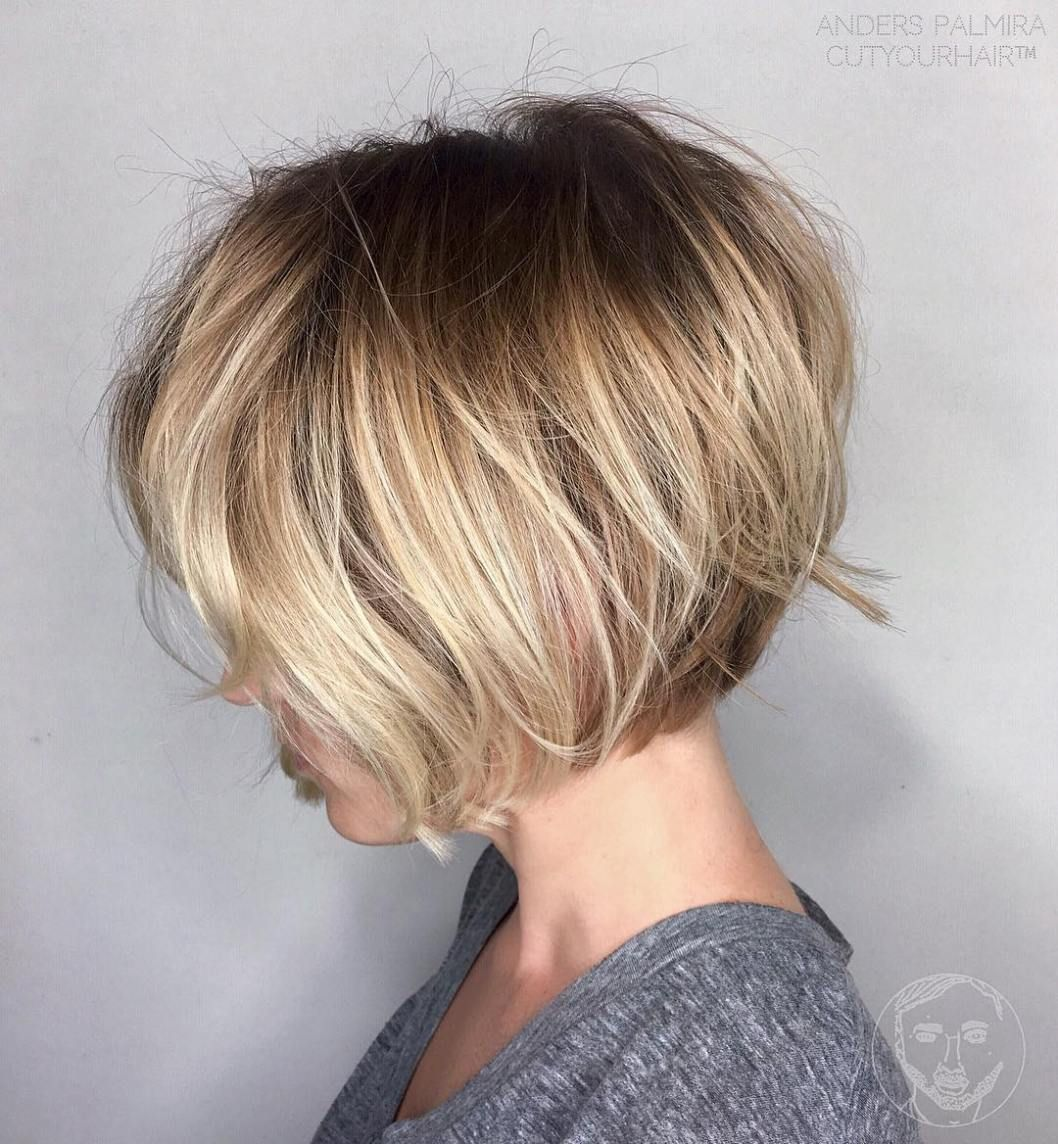 Chin Length Stacked Bob With Images Fryzura Krotkie Fryzury