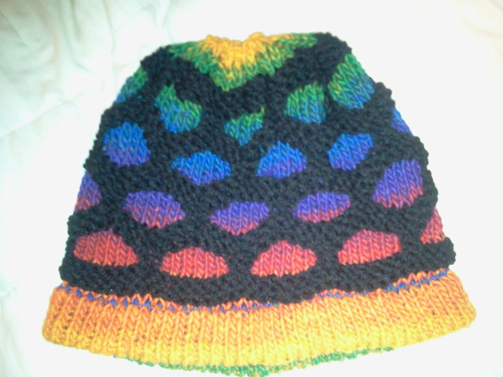 Rainbow loom hats wow that is a lot of rubber bands rainbow loom hats wow that is a lot of rubber bands loom knitting patternsknitting dt1010fo