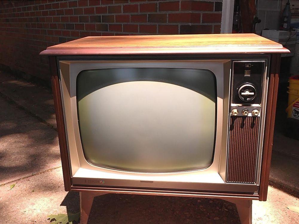 Zenith Console Tv ~ Vintage s zenith swivel base color tv
