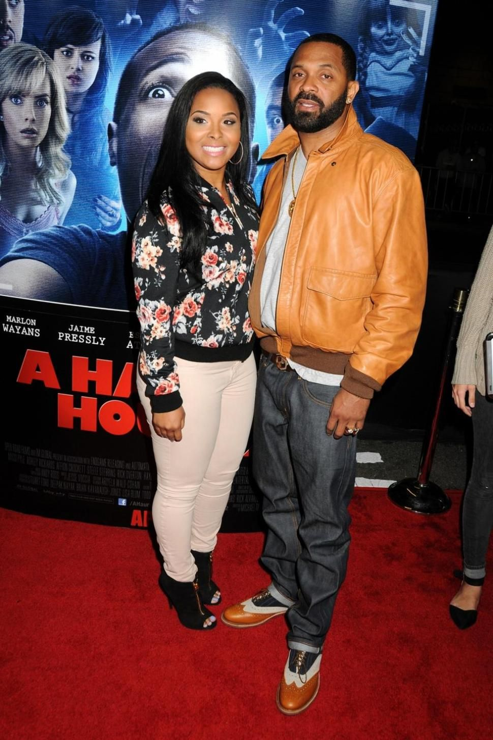 Mike Epps Accused Of Assaulting Female Fan At Haunted House 2 After Party Report Mike Epps Celebrity Couples A Haunted House 2