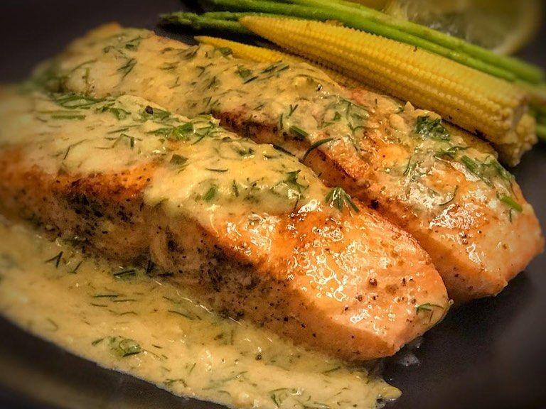 Thee Roro On Instagram بسم الله نبدء سعادة جديدة سمك سلمون بكريمة الثوم والليمون Salmon With Creamy Garlic Lemon Sauce Salmon Salmonrec Food Meat Pork