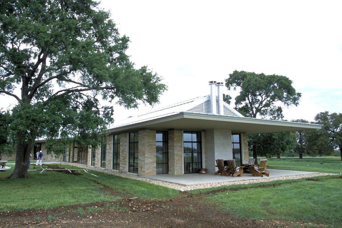 George bush 39 s prairie chapel ranch politician 39 s mansions for Bush house designs