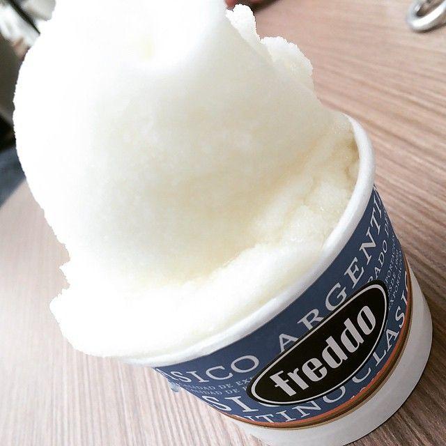 """#gelato #helado #limão #abacaxi #lemon #pineaple #freddo #heladosfreddo #food #nofishnoseafood #foodlovers #instafood #foodgasm #tagsforlikes #instancool…"""