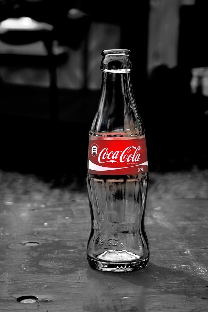 coca cola coke love the classics color splash red fotografie pinterest rot coca. Black Bedroom Furniture Sets. Home Design Ideas