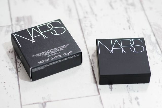 NARS is one of my favourite beauty brands, but I haven't purchased any of their base products for over a year now as their newer releases were mainly targeted towards those with oily skin, and I have