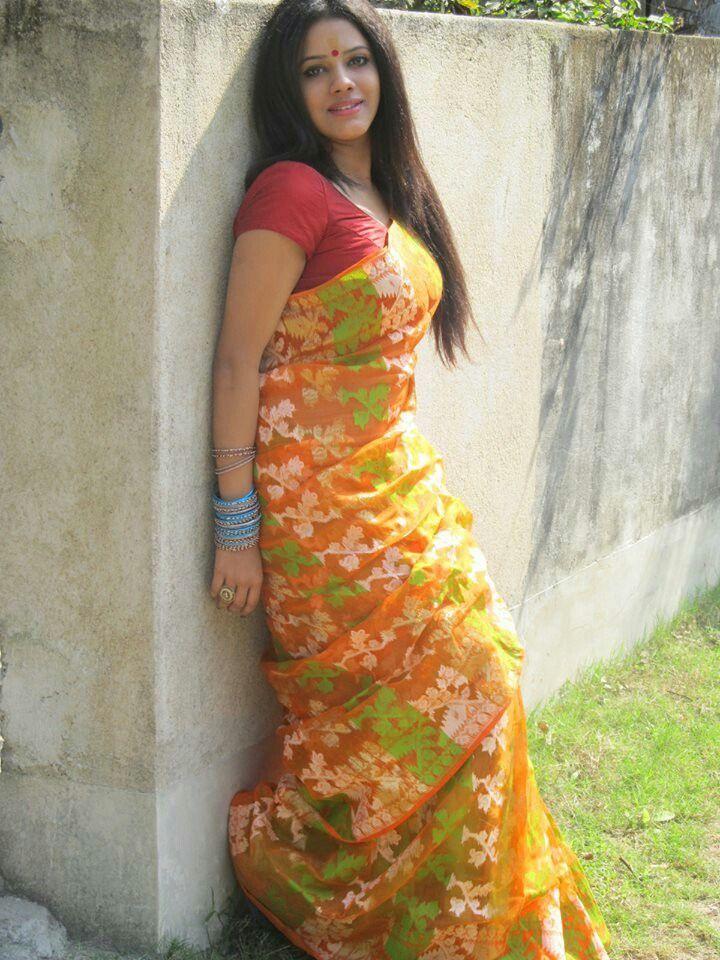 hot desi indischen bhabhi saree