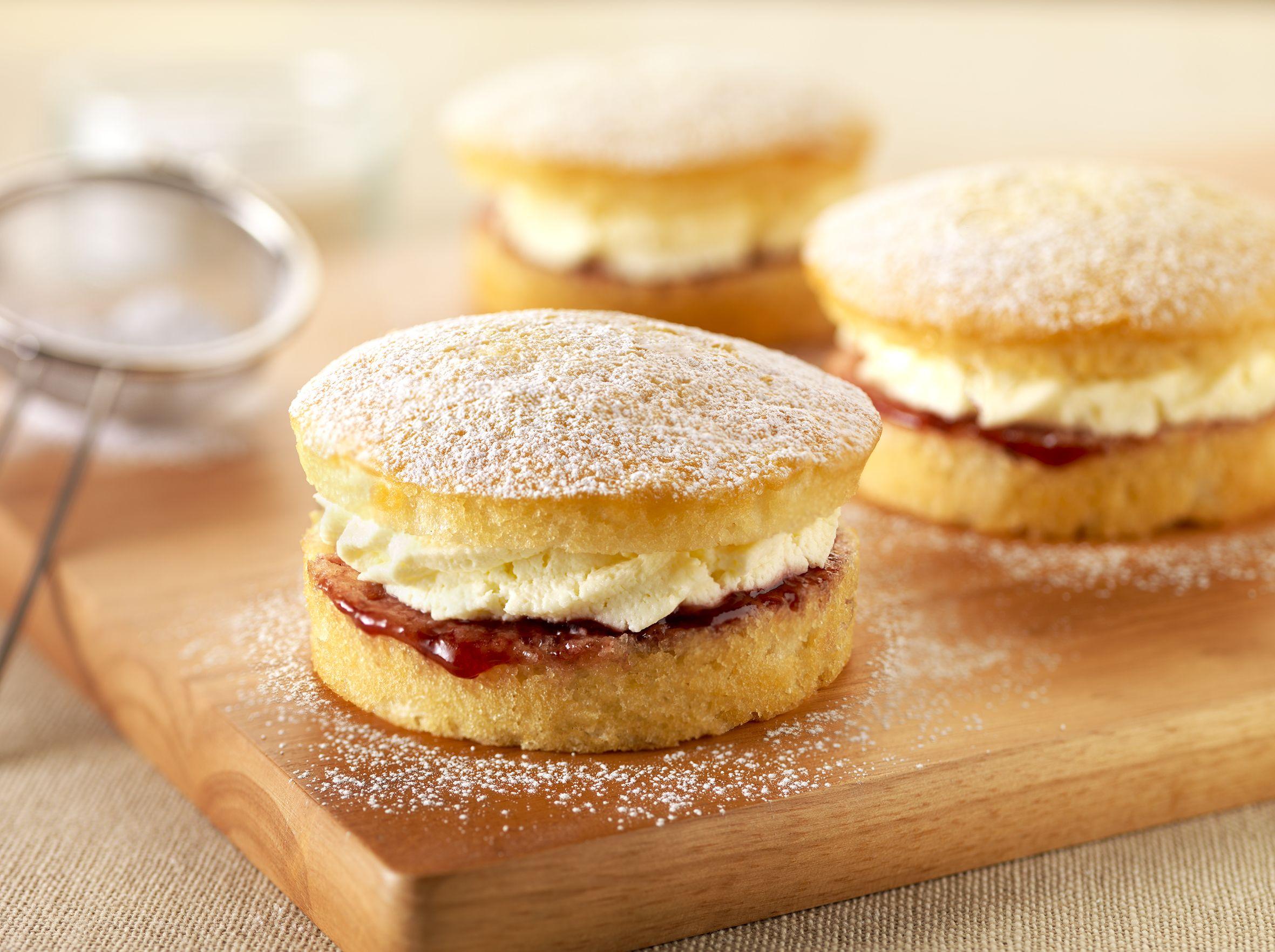 Diabetic Sponge Cake Recipes Uk: Mini Cream Victoria Sponge - Greggs