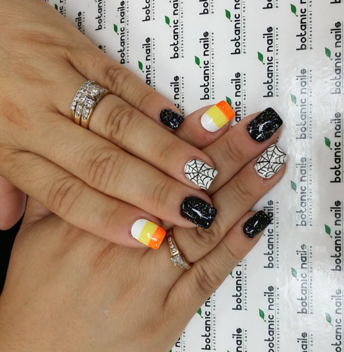 Candy corn nails (With images) | Cute halloween nails ...