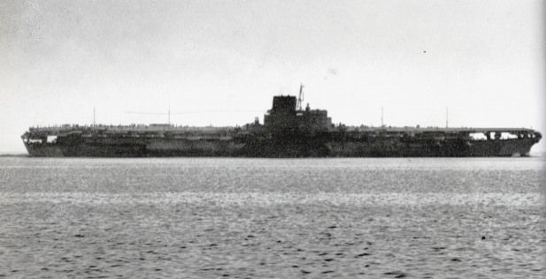 Japanese carrier Shinano was the biggest carrier in World War II and the largest ship destroyed by a submarine.[10]The Japanese carrier Shinano was the biggest carrier in World War II and the largest ship destroyed by a submarine.[10]