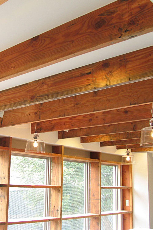 アルベロプロの古材 オールドボード をルーバー天井と窓際のオープン