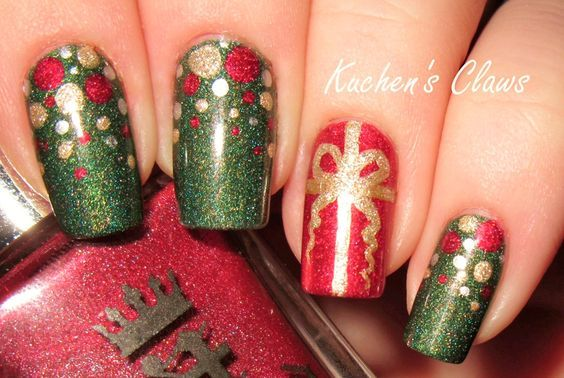 25 Christmas Nail Art Designs That You Will Love To Copy Christmas