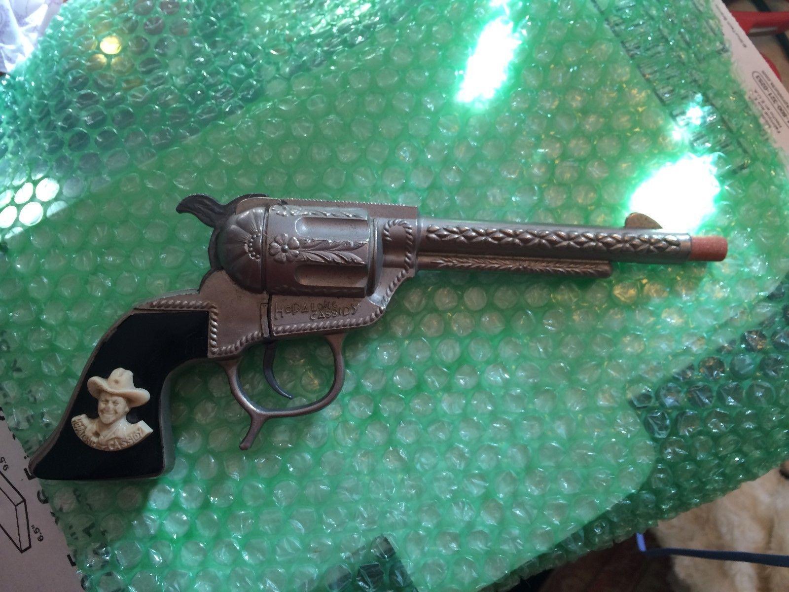 Vintage Hopalong Cassidy Schmidt Cap Toy Gun