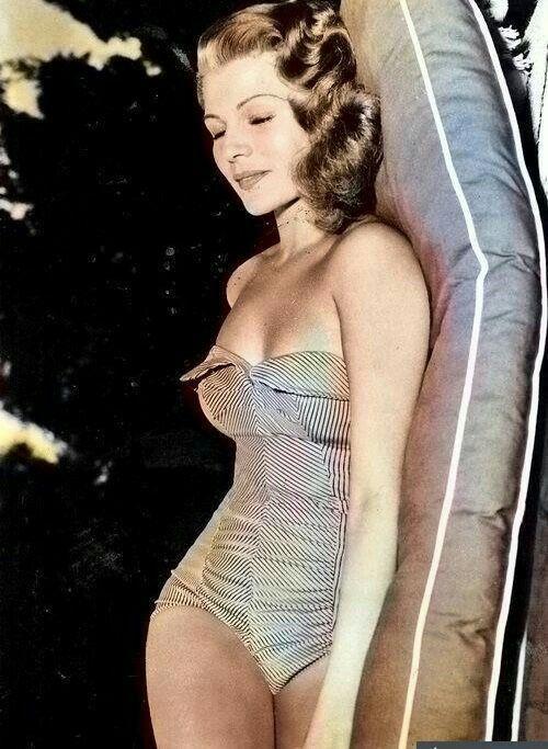 Rita Hayworth #hollywoodlegends