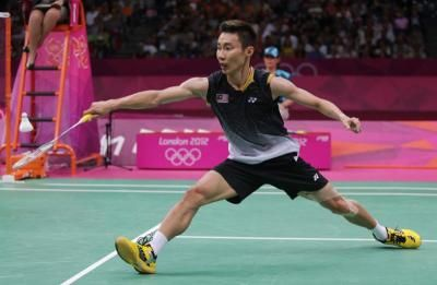 a description of badminton as a court or lawn game played with lightweight rackets Table tennis started as a genteel, after-dinner game, but is now a fast, high-tech sport it also has the most participants of any sport in the world  nowadays, players use specially developed rubber-coated wooden and carbon-fibre rackets and a lightweight, hollow celluloid ball thanks to their high-tech rackets, they can now smash the.