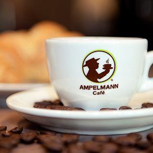 Geöffnet Shopamp; Café Ampelmann Am Ku'dammTäglich Von Kranlereck 76IYbfygv