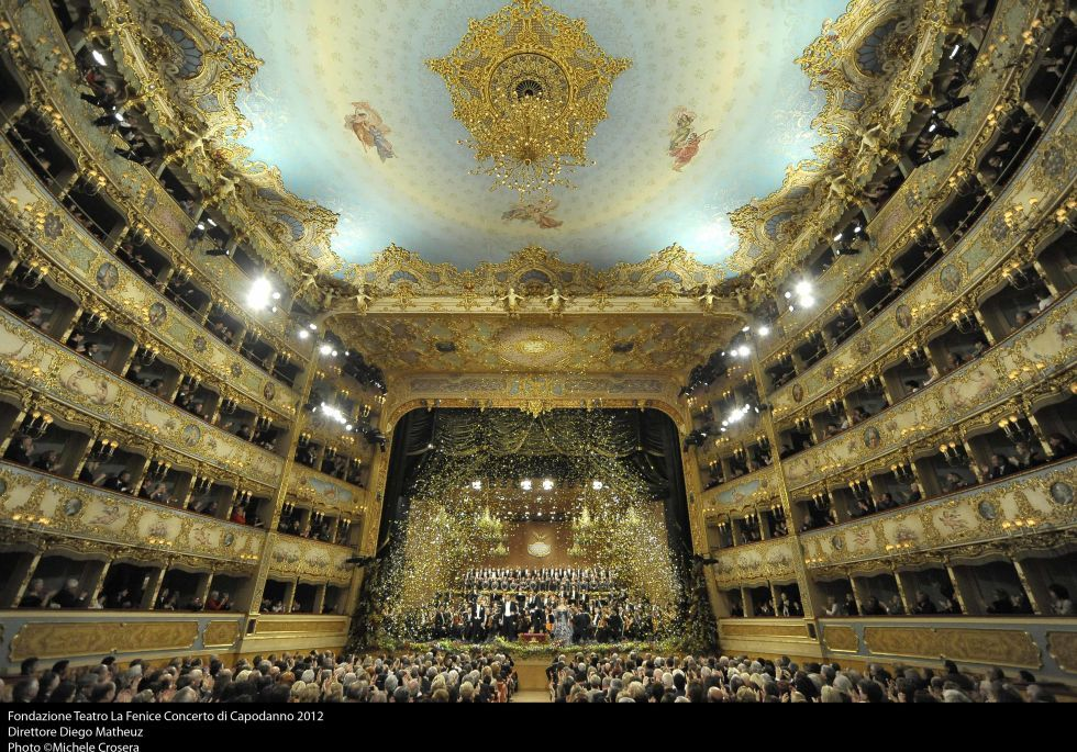 Step Inside The World S Most Beautiful Theaters Venice Italian Landscape Italy